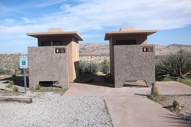 toilettes publiques lieu de drague gay